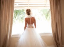 Fairytale Bride Shines in California Wedding - MODwedding