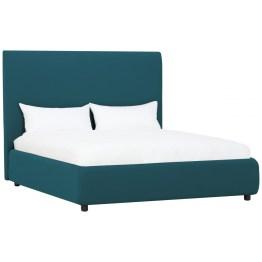 Auch ohne Ecken und Kanten zeigt Bett Pada Charakter: einen ganz entspannten. Das komfortable Möbel ist rundherum gepolstert