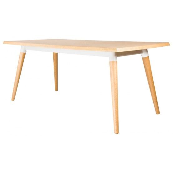 Dieser Esstisch wirkt leicht und einladend