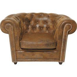 Sessel: Altenglischer Stil mit Wohlfühlfaktor Der klassisch englische Sessel Cambridge verbreitet Eleganz und Stil im Wohnzimmer. Er möchte aber auch ein behaglicher Lieblingsplatz sein. Denn sein gut gepolsterter Lederlook verspricht bequemen Sitzkomfort mit Entspannungsversprechen. Optisch ist der Sessel Cambridge von distinguierter Adligkeit