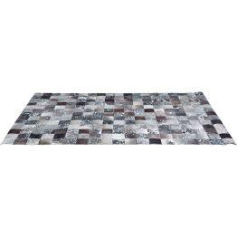 Großformatiger Teppich im Patchwork Style Aus gefühlten Tausenden von Flicken setzt sich dieser einmalige Teppich zusammen: Die kleinen Quadrate aus gefärbtem Kuhfell ergeben ein eindrucksvolles Ganzes! Hochwertig und exklusiv. Elegante Natur- und Grautäne machen den Teppich zu einem wohnlichen Wohnaccessoire