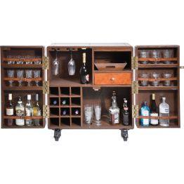 Bar: Kompakte Bar im Colonial-Stil Die Bar Lodge sieht nicht nur toll aus