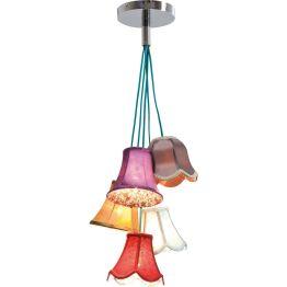 Lampe: Ein bunter Strauß Lampenschirme Blumen sind Emotionen und so zaubert diese Hängeleuchte einen bunten Strauß aus fünf Lampenschirmchen. Ob für das Landhaus oder als Kontrastmittel für puristische Einrichtungsstile