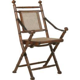 Stuhl: Klappstuhl im Kolonialstil Alter Kolonial-Formenschatz auf einem Trödelmarkt entdeckt und re-editiert. Rahmen der Sitzfläche aus lackierter Birke
