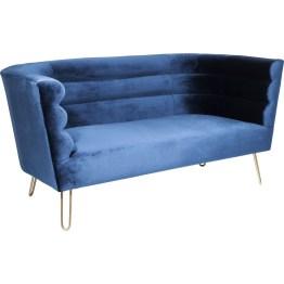 Ab ins Blaue! Diese hübsche Redensart gewinnt mit dem luxuriösen und absolut schickem Sofa Monaco eine ganz neue