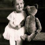 onafscheidelijk met teddybeer