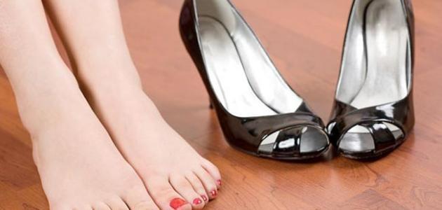 تفسير حلم الحذاء الأسود في المنام مفسر