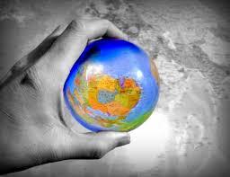 العولمة ، وماذا يجب علينا تجاهها؟