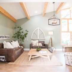 Living Room Decorating With Brown Sofa Interior Designing For How To Style A Mohawk Home We Ve Noticed Quite Few Sofas Popping Up In Hgtv S Fixer Upper Designs During The Last Seasons Take Peek Of Some Our Favorites