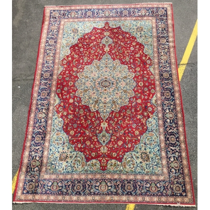 tapis keshan avec medaillon central sur