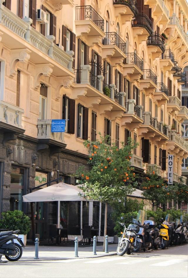 Spacer ulicami Neapolu