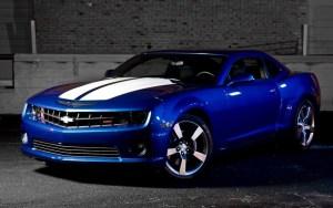 Zmiana koloru samochodu za pomocą oklejania