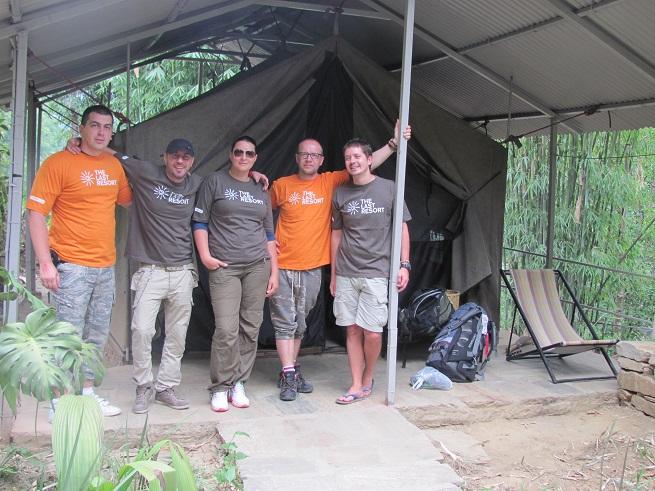 Ekipa posle skoka, ispred šatora. Foto: Ivana Kovačević