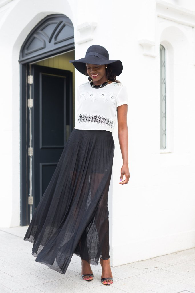 SHEER_SKIRT_AND_CROPED_CHIFFON