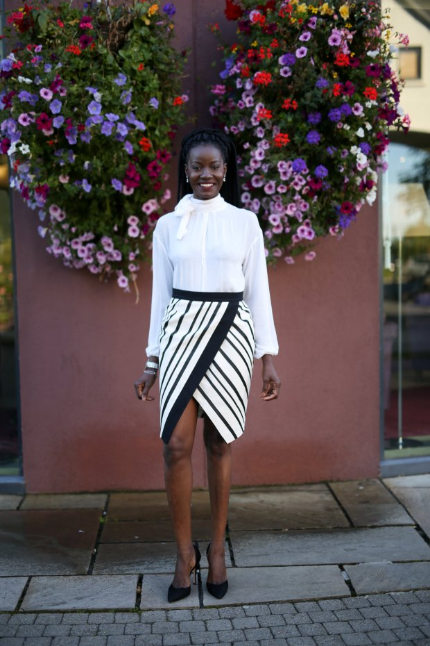 PUSSYBOW_BLOUSE_AND_SLANT_STRIPE_SKIRT