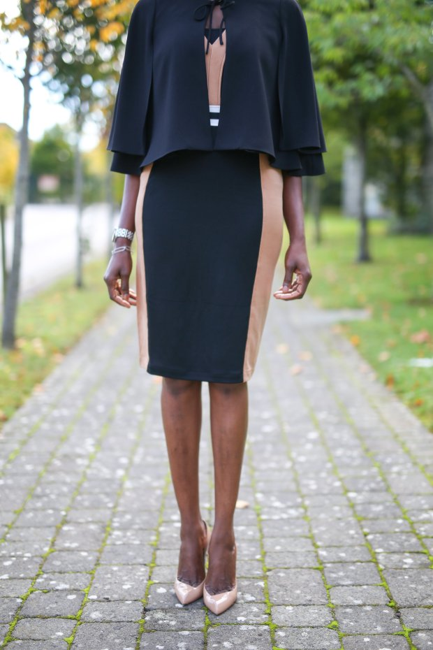 COLOUR_BLOCK_DRESS_AND_CAPE_COAT