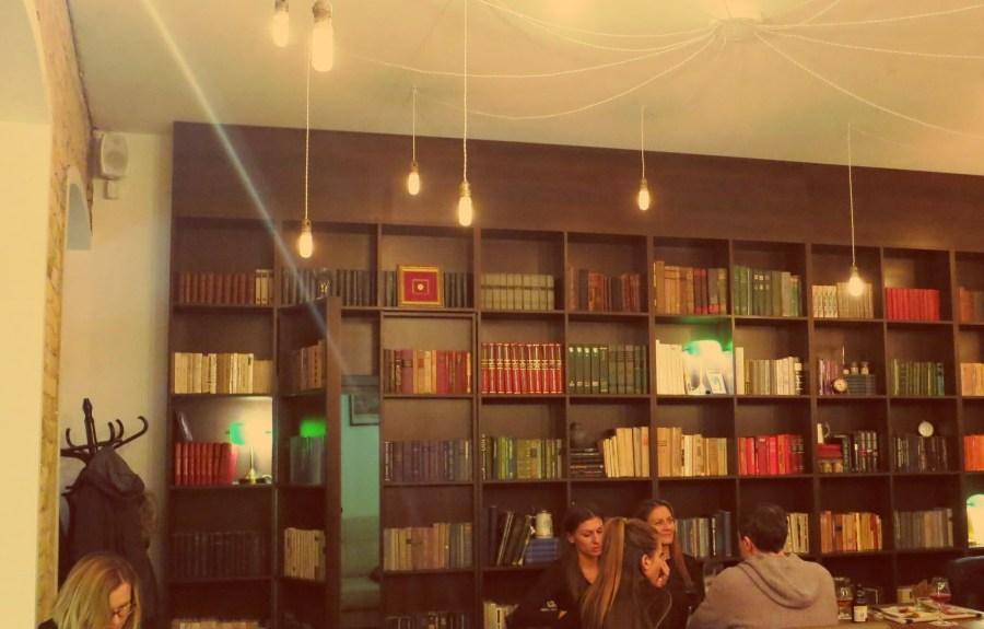 Geheimtür in der Alaus Biblioteka in Vilnius