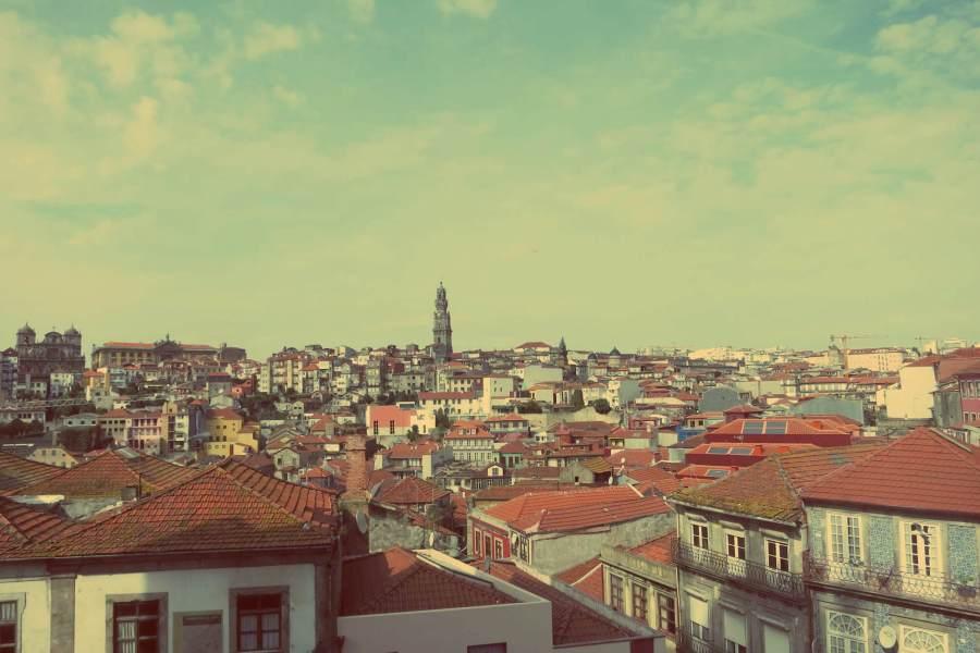 Foto von Porto mit dem Torre dos Clérigos im Hintegrund