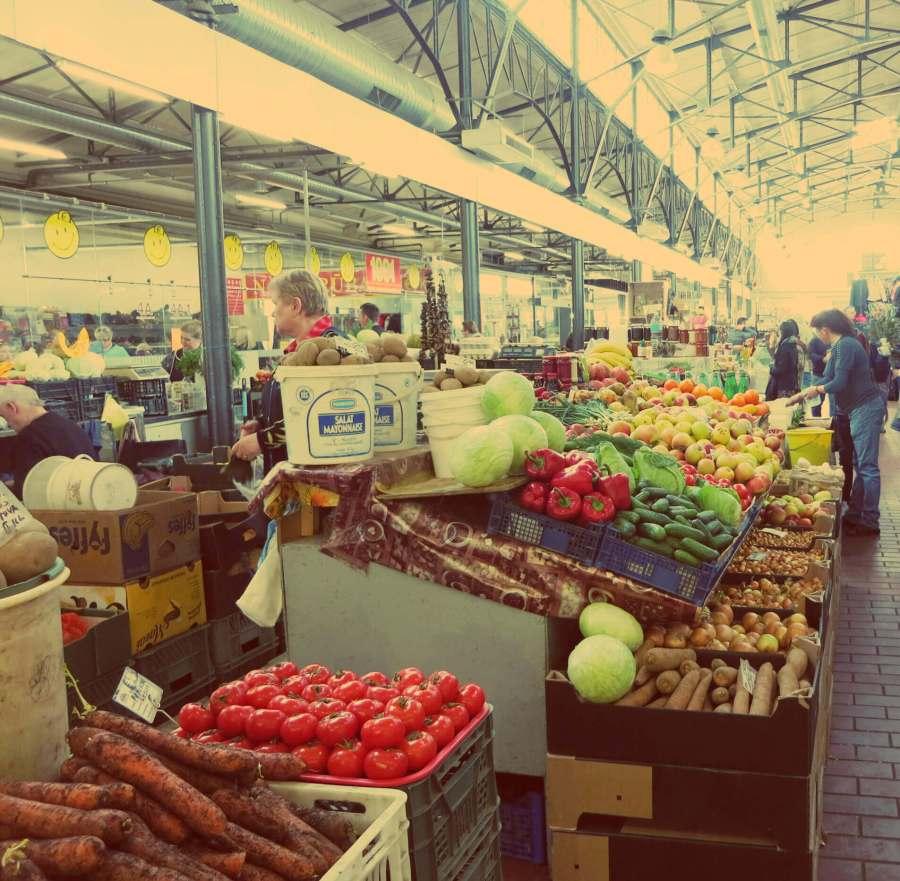 Marktstand im Hales Turgus Markt in Vilnius
