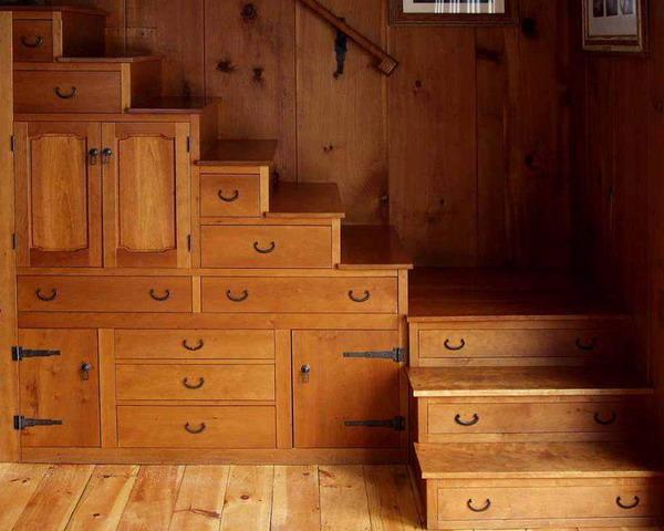 kako-iskoristiti-prostor-ispod-stepenica-29