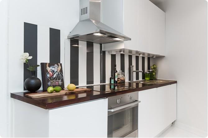 35-m2-crno-bijelog-interijera-10