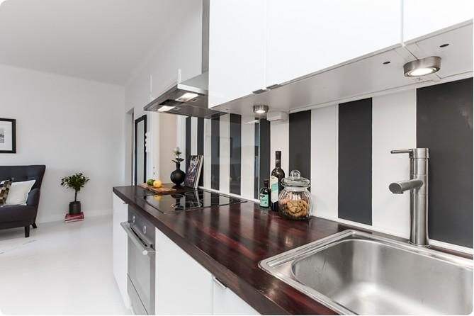 35-m2-crno-bijelog-interijera-12