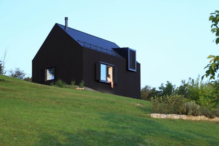 Orah, kuća i terasa