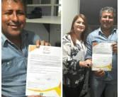 """Prefeito IE IÉ assina sua adesão ao """"Programa Prefeito amigo da Criança"""" da ABRINQ na companhia da Secretária Municipal de Educação Lúcia Cristo"""