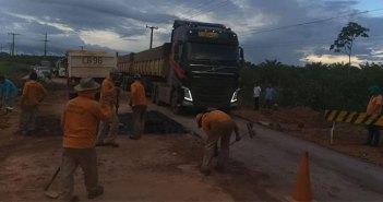 A prefeita Nilma Lima, visitou na manhã desta terça-feira (16) a Rodovia PA-150 que se rompeu na altura do Km-04 trecho do Balneário Levi.