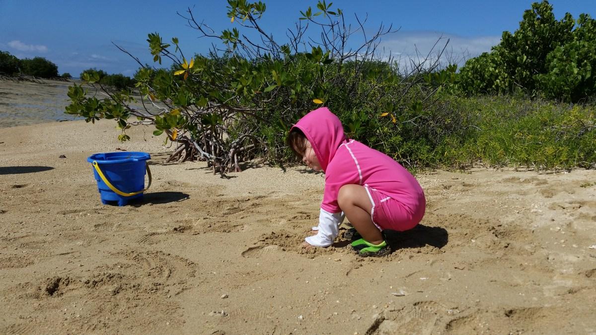 Children playing on Mokauea Island