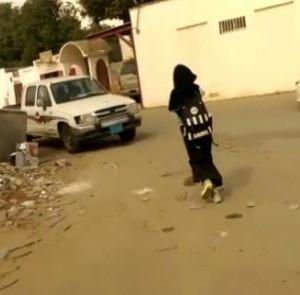 فيديو : يكشف فتاة التحلية المسجونة بسبب خلعها العباية
