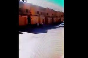 فيديو.. لص يفشل في سرقة منزل بالرياض بعد عراك ابن صاحب المنزل