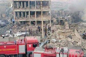 بالفيديو.. إنهيار منزل من 7 طوابق وسقوط قتلى وجرحى باسطنبول