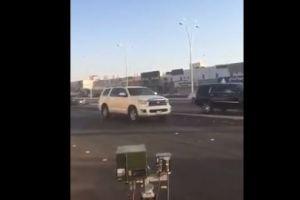 مواطن يصدر حركات لا أخلاقية أمام كاميرا ساهر بتبوك!