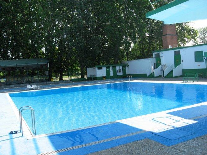 Le piscine aperte a Torino durante lestate 2016  Mole24