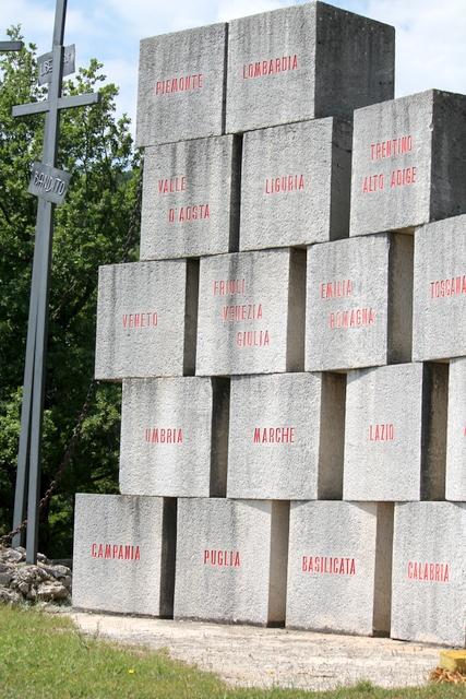 Monumento ai caduti Monte Marrone
