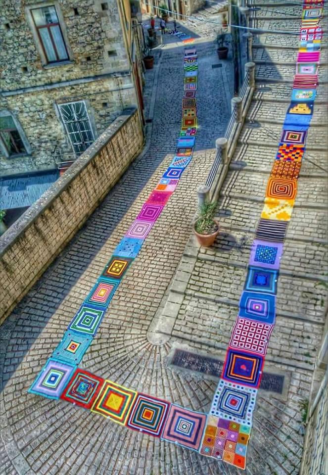 Risultati immagini per il tappeto più lungo del mondo