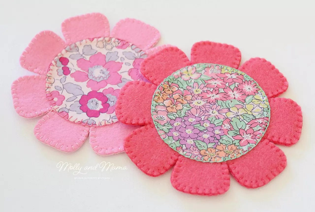 Sew a felt flower coaster molly and mama these felt flower coasters are so easy to stitch theyre a great way to showcase your favourite fabric prints and treasured scraps baditri Gallery