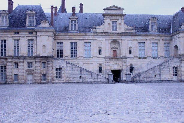 Fontainebleau Front
