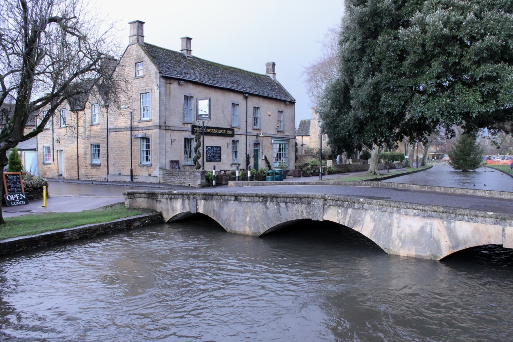 Bourton on the Water-Canal
