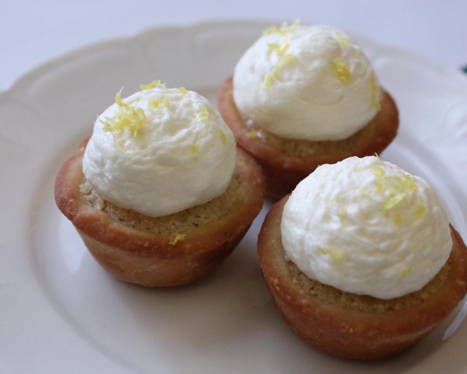 Mini Lemon Tarts Close Up