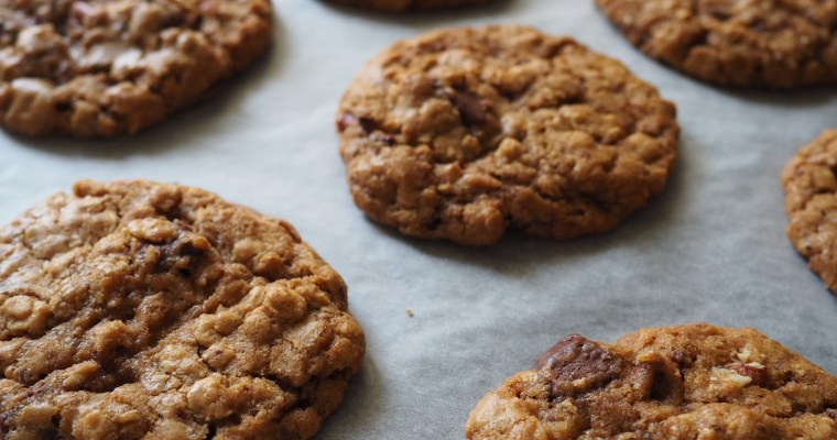 Midnight Oatmeal Chocolate Chip Cookies
