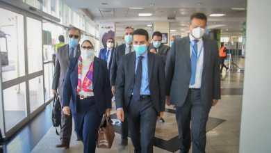 صورة وزيرة الصحة تصل أوغندا لافتتاح المركز الطبي المصري هناك