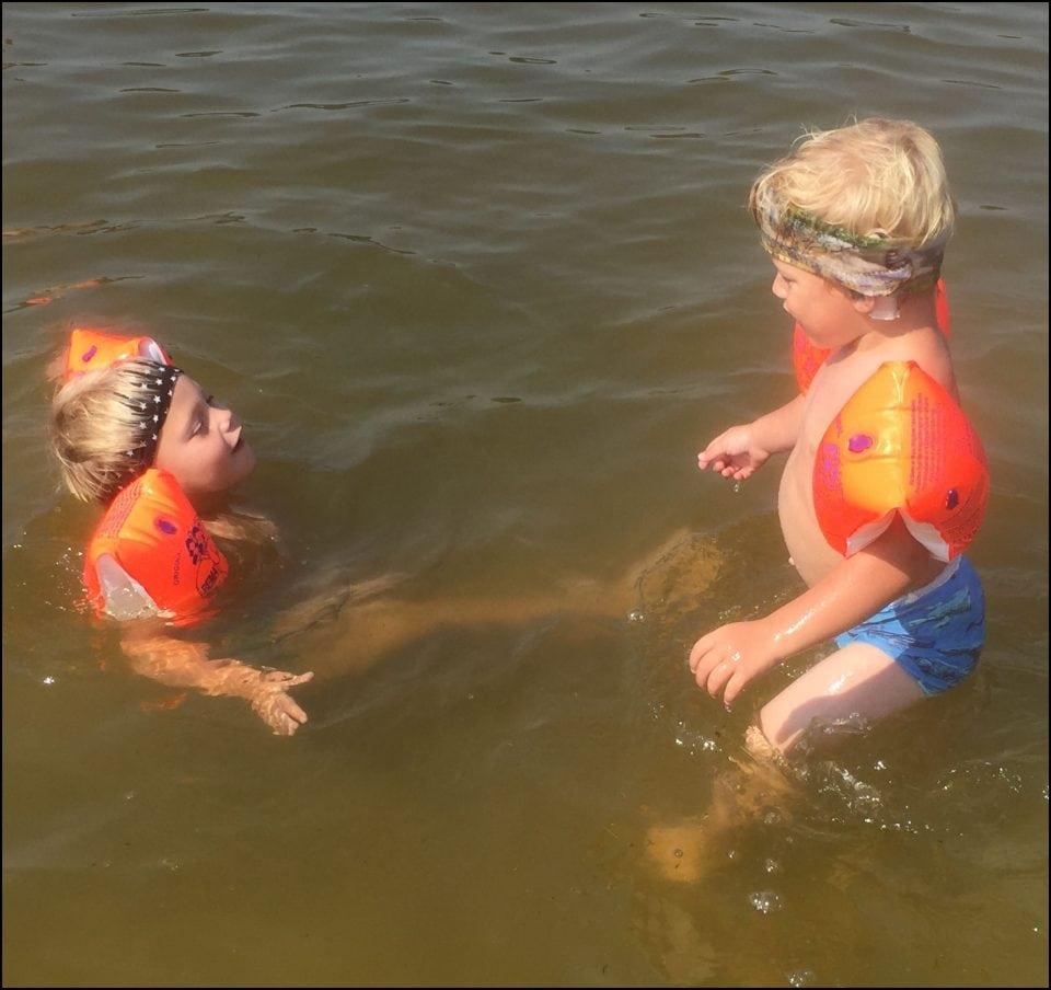 tolk bij het zwemmen