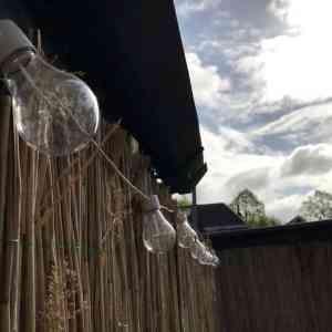 Tuinverbouwing #3 | Dag lelijke muur en loungen met Action