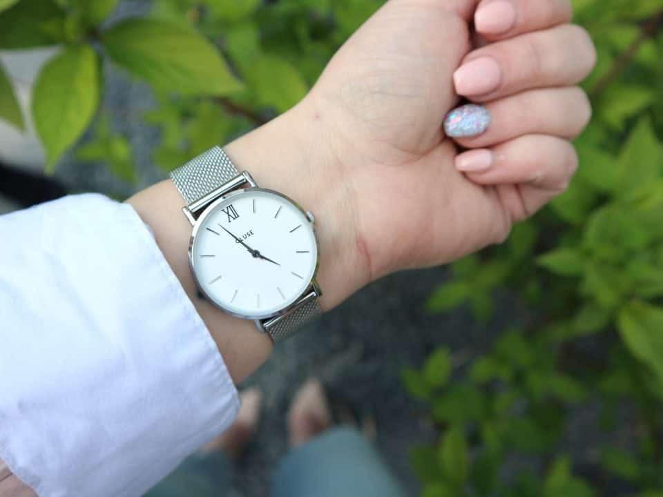 Waarom we sieraden dragen? Macht, Status en Verleiding! Hoe zorg je goed voor je horloge? Moederdag outfit cadeautips brandfield cluse valentino ralph lauren