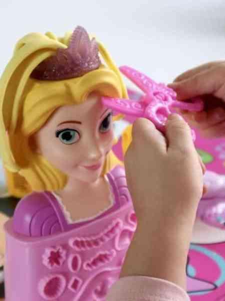 Kappertje Spelen met de Rapunzels Kapsalon van Play-Doh