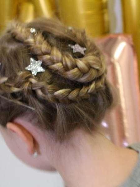Kerstklaar Haar | Zelf feestelijke meisjes kapsels maken