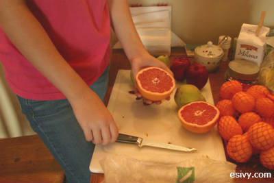 fruit turkey cut the grapefruit