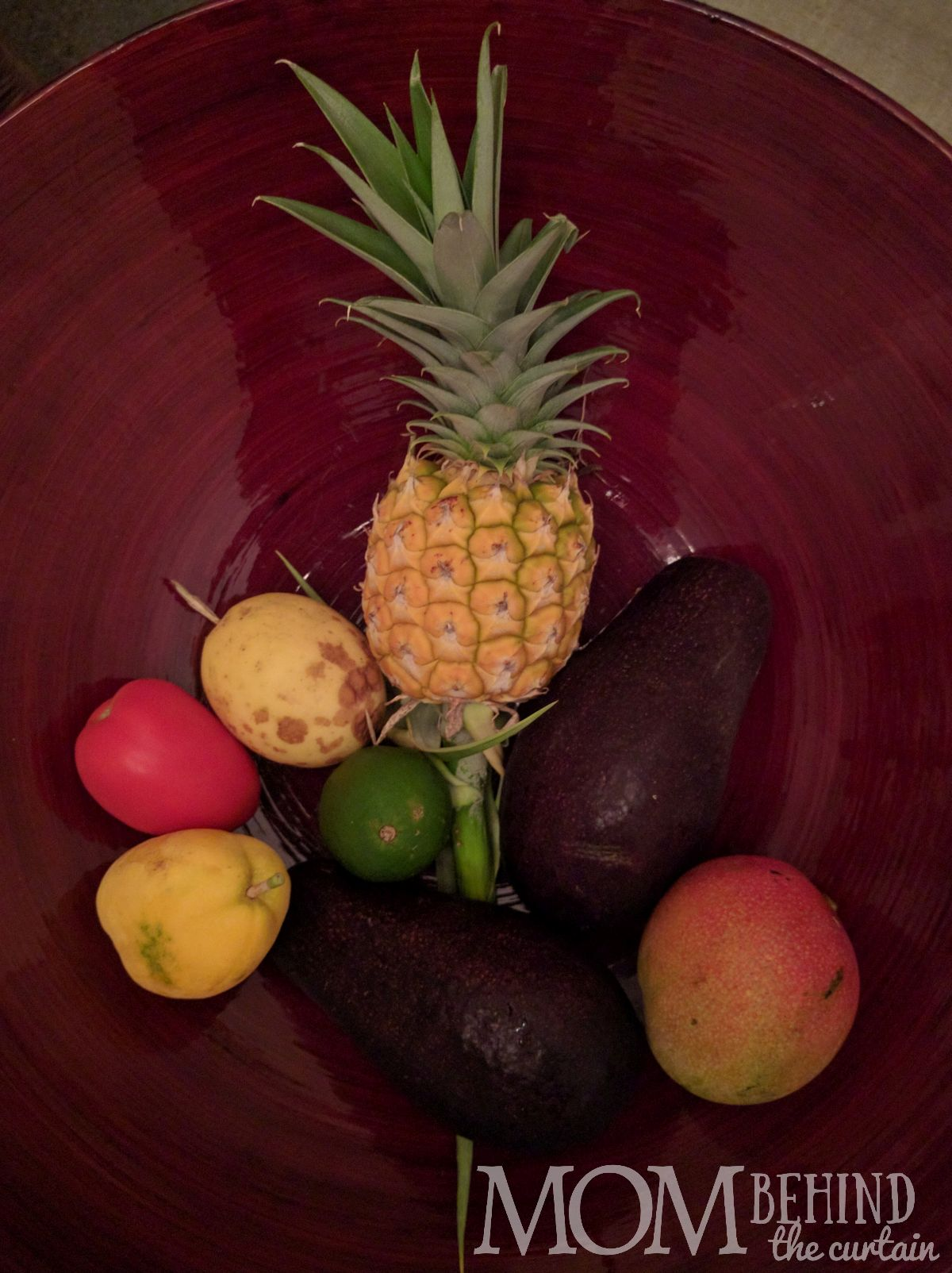 fruit stand haul Maui Hawaii - what to eat in Maui